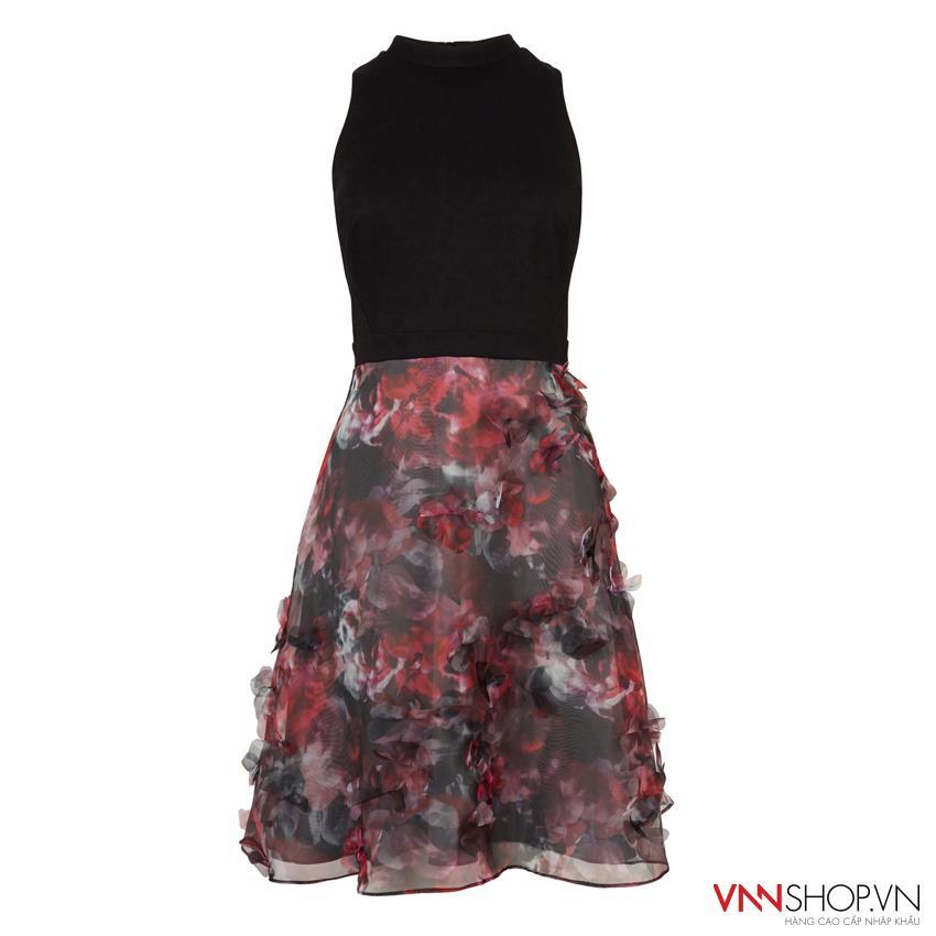 Sang trọng quý phái hơn với váy đầm cao cấp kết hợp màu đỏ đen sang trọng